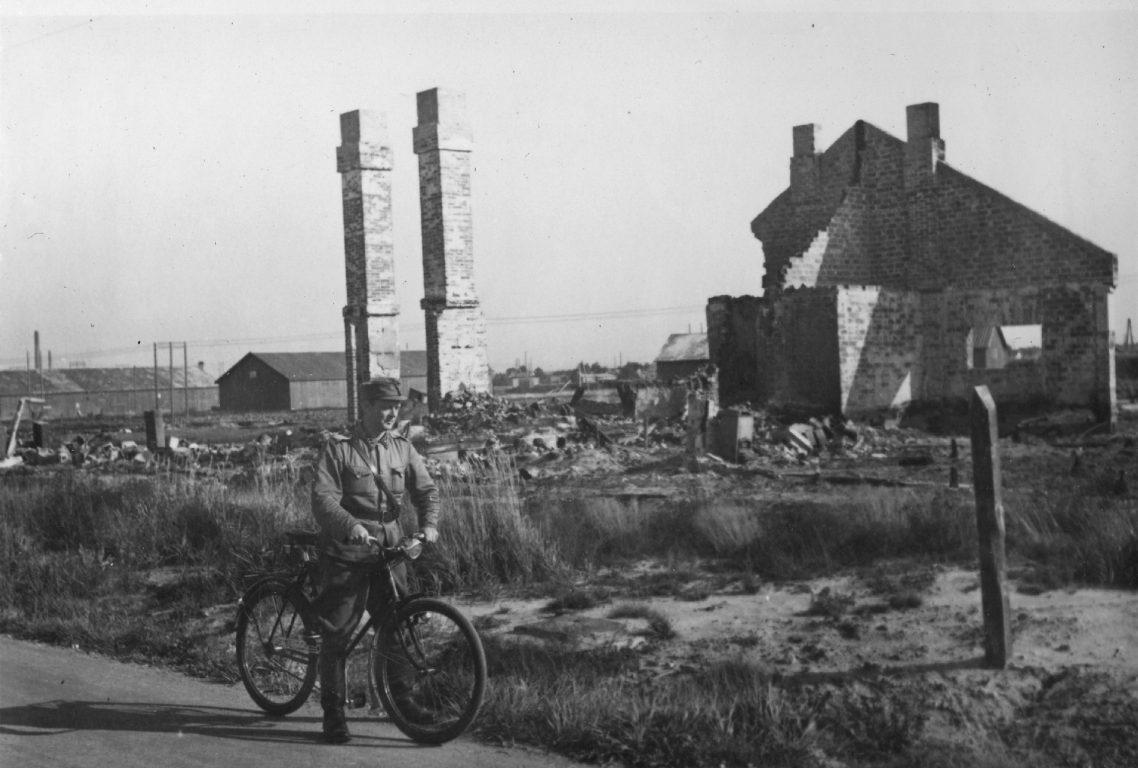 Kuvassa tuhoutunutta Porin lentokenttäalueen maastoa.
